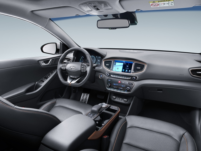 ioniq_electric_interior_1_hires